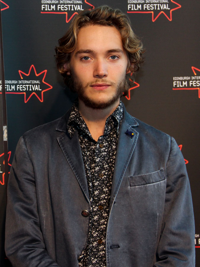 Reign : Francis Death Explained Toby Regbo s Official