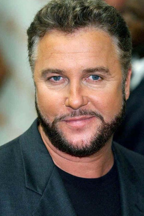 The 64-year old son of father Arthur Edward Petersen, Sr. and mother Helen June Hoene, 180 cm tall William Petersen in 2017 photo